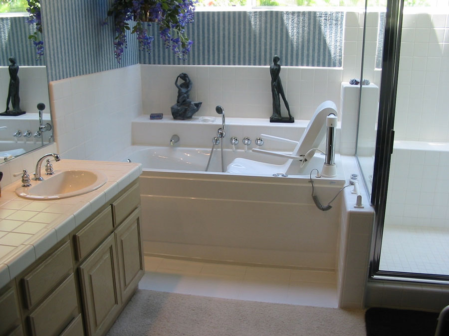 Walk In Tub · Fischer Windsor